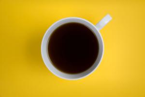 wat kost een bakje koffie