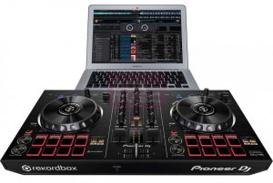 Pioneer DDJ-RB met laptop
