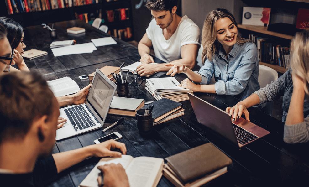 collegegeld betalen tijdens een bestuursjaar