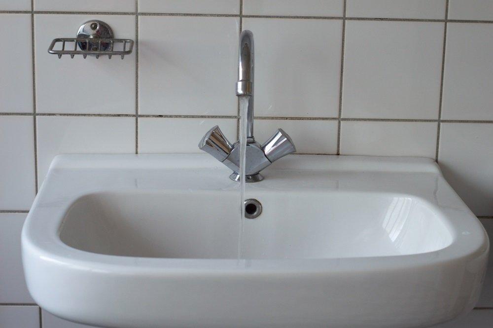 Je gedeelde badkamer goedkoop opknappen 6 tips